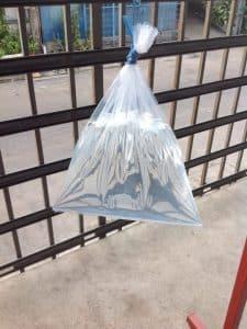 ทดสอบการรั่วซึมบริเวณก้นถุงโรงงาน รับผลิตถุงพลาสติก