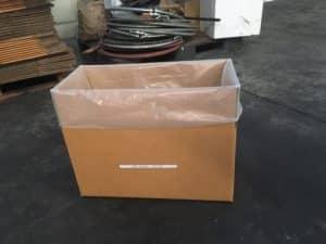 การใช้งานถุงพลาสติกขนาดใหญ่ ในการรองในกล่องกระดาษ