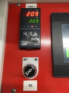 เครื่องวัดอุณหภูมิแบบดิจิตอลของ โรงงานผลิตถุงพลาสติก ไทยฮง