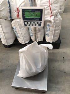 ถุงพลาสติก LDPE สำหรับบรรจุสินค้า 25 กก แทนการใช้กระสอบ ผลิตโดย โรงงานผลิตถุงพลาสติก ไทยฮง